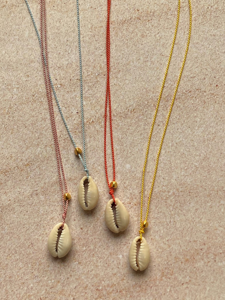 Fine Silky Thread Shell Necklace