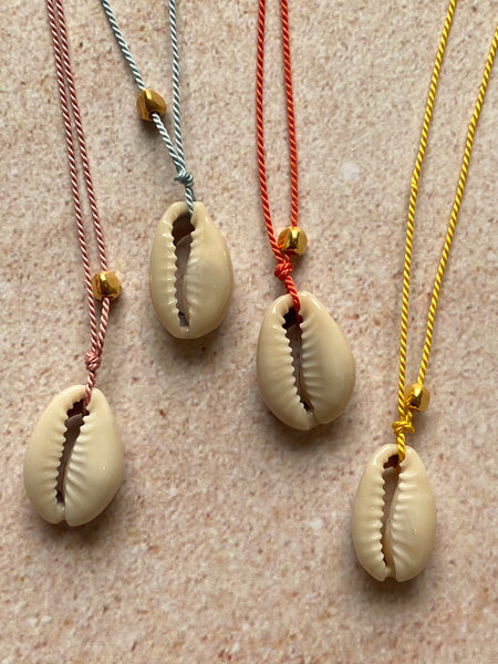 Fine Silky Thread Shell Necklace - Athena+Co - Jewellery - Jewelry - Beaded - Necklace - Bracelet - Fashion