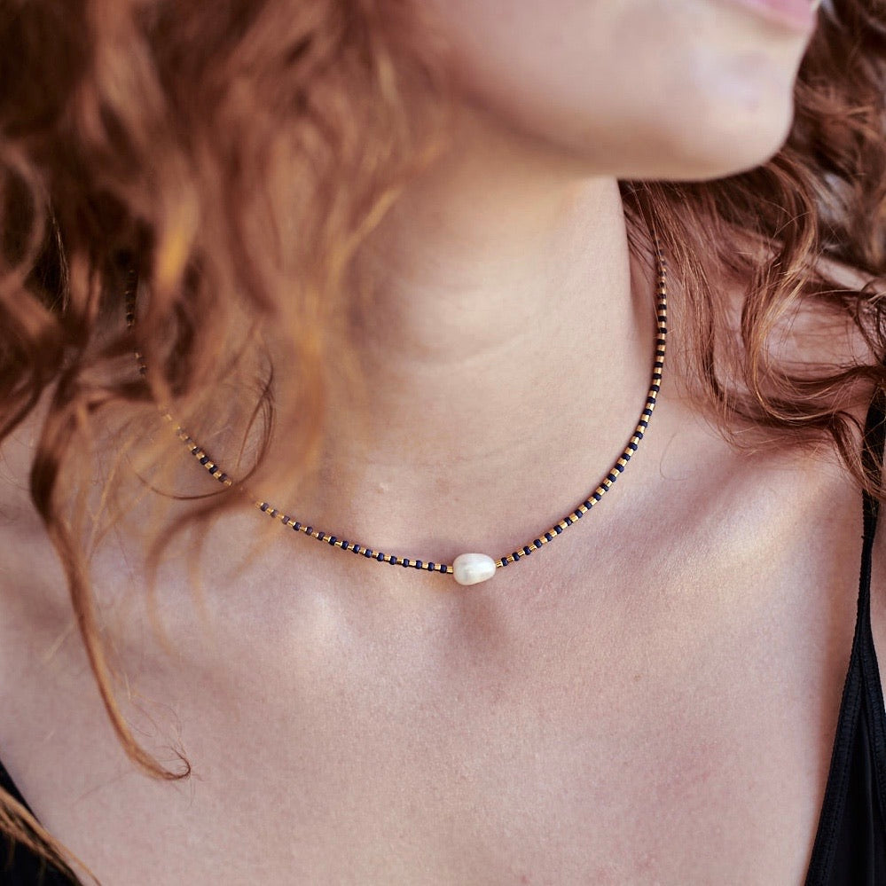 Pearly Dot Fine Bead Necklace