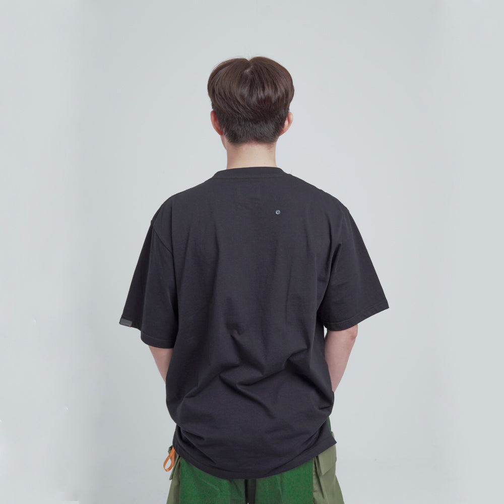 MIL REFLECTIVE ZIP POCKET SS BLACK. 02