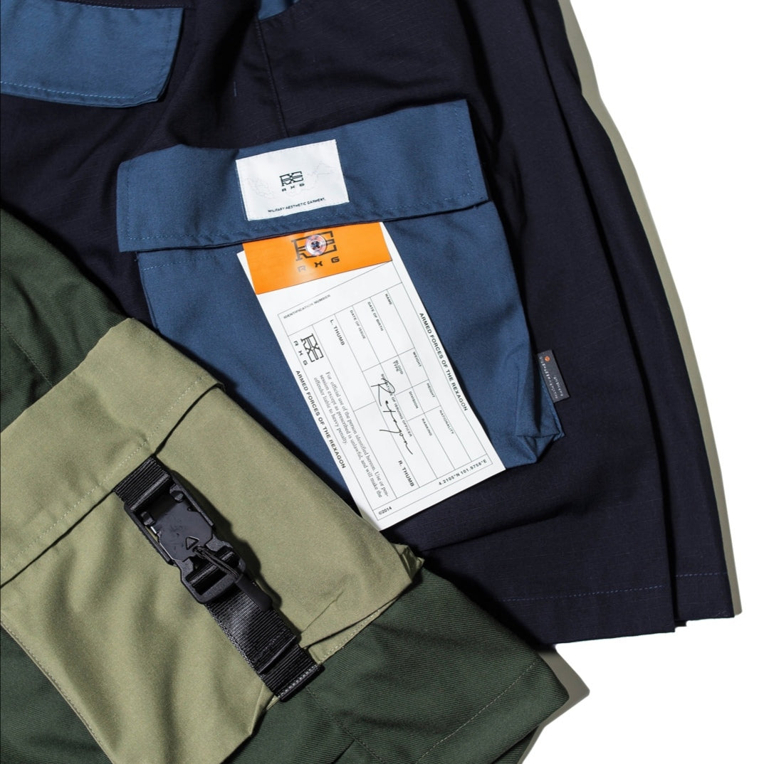 MIL UTILITY TWO TONE CARGO SHORTS. NAVY BLUE 02