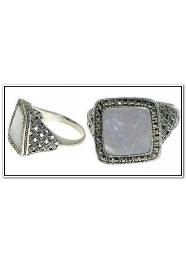Mother of Pearl Square Undulating Ring