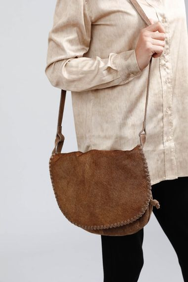 St Lucas Shoulder Bag in Camel