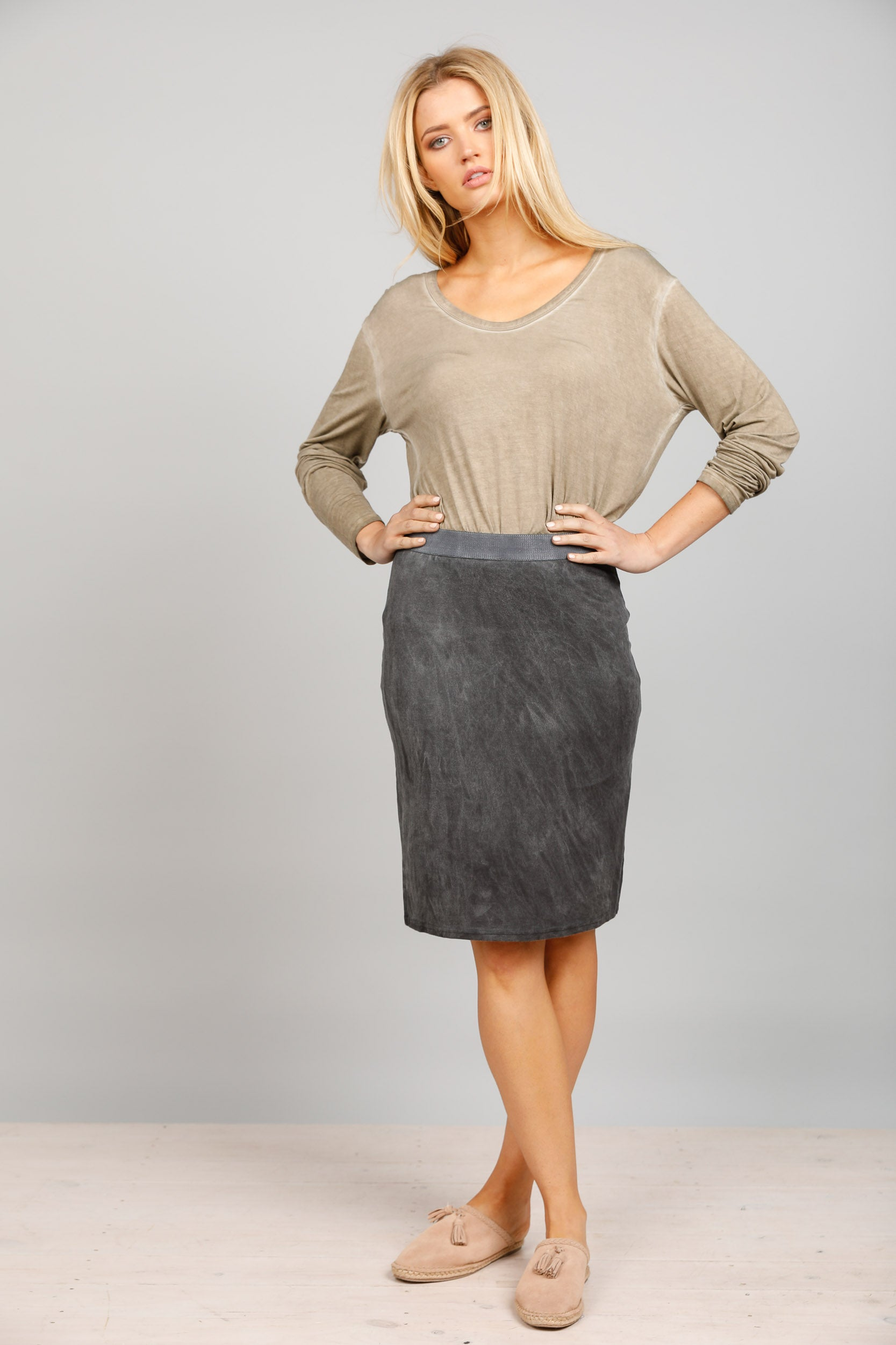 Finn Skirt in Charcoal