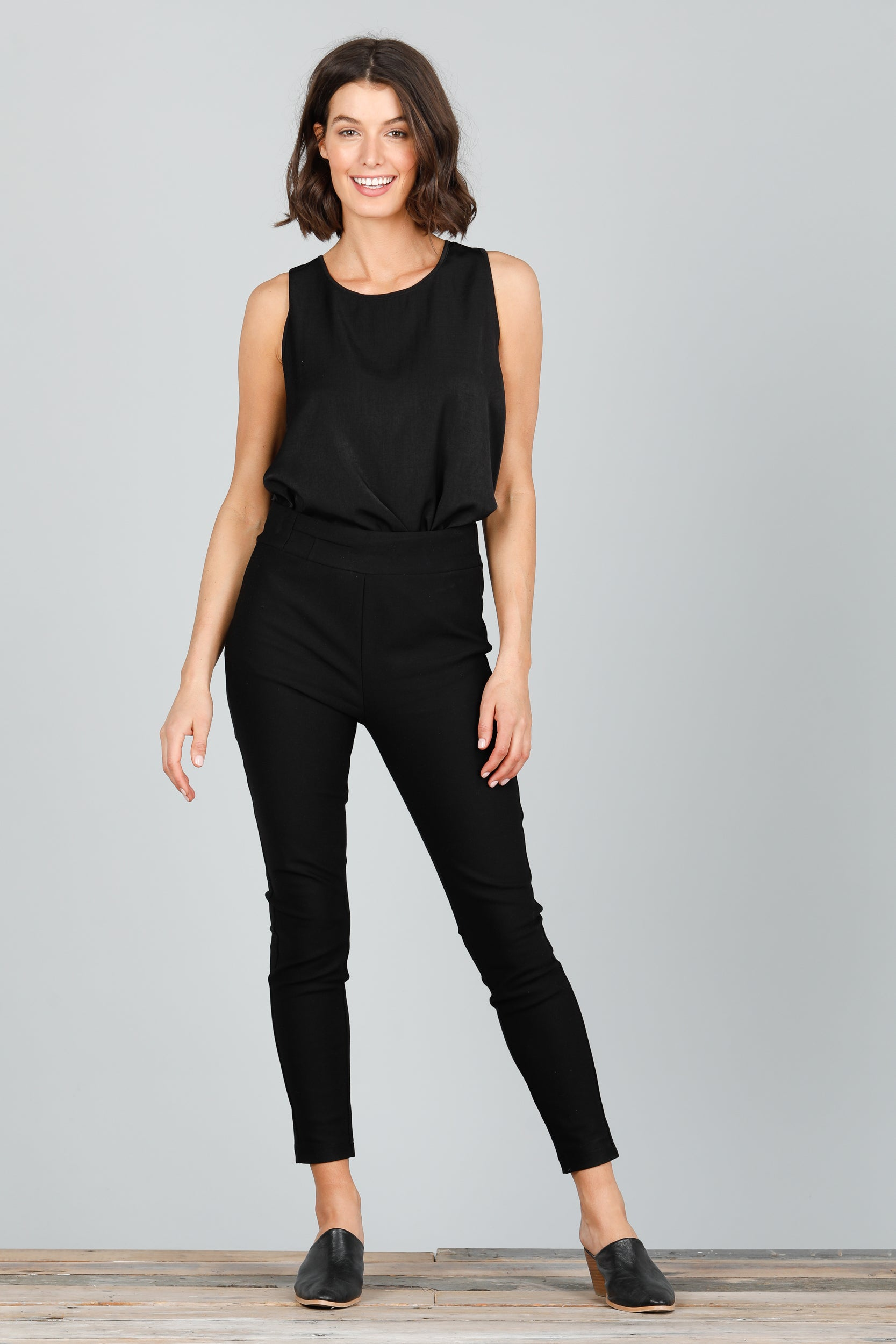 Runway Pants in Black