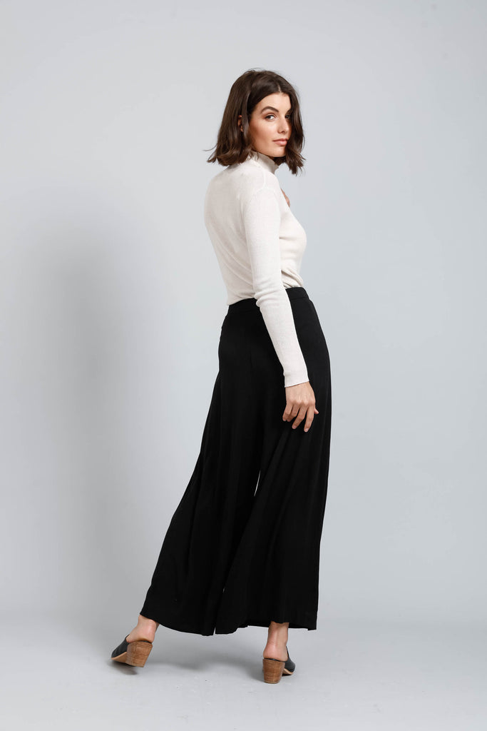 Lopez Pants in Black