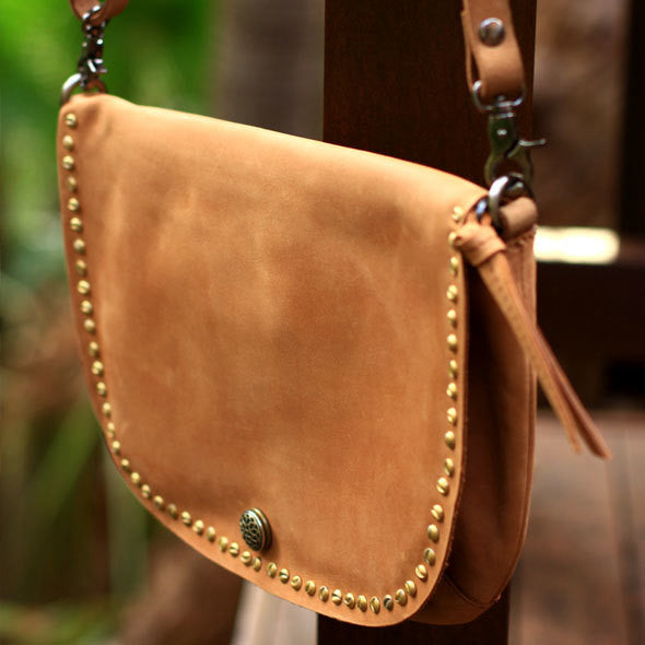 Nivkh Shoulder Bag - Tan