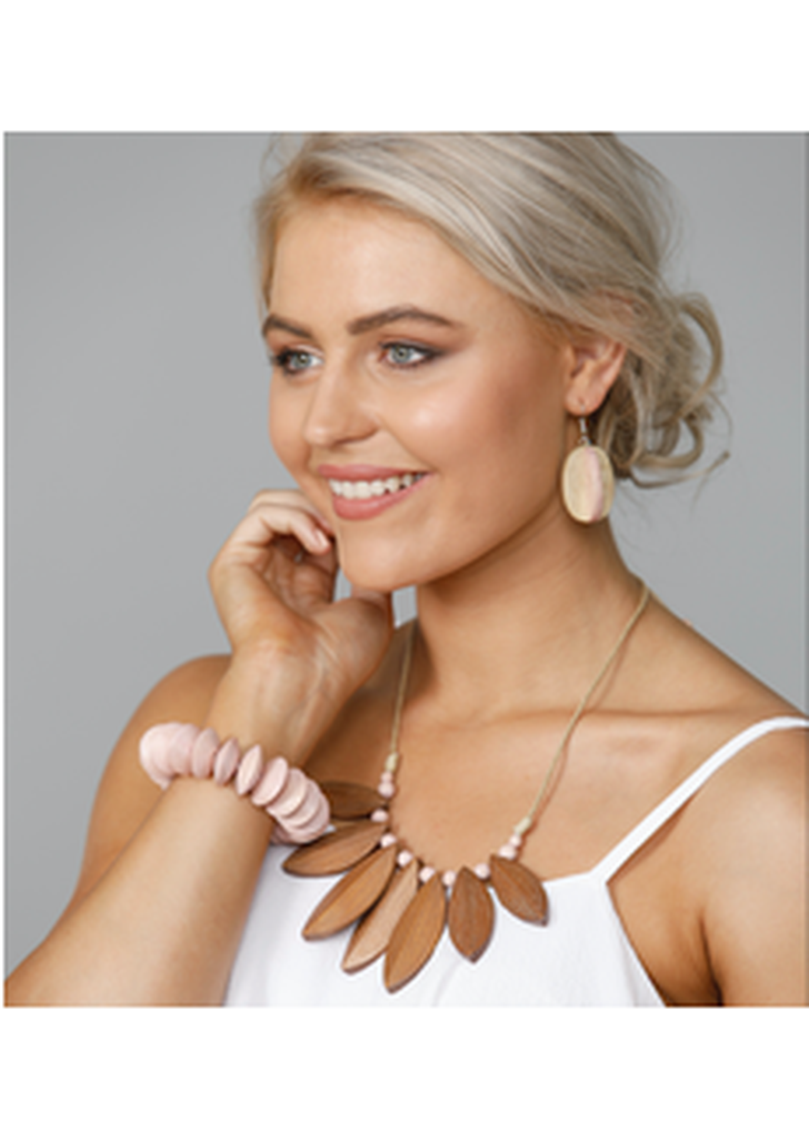 Milford Necklace - Tan