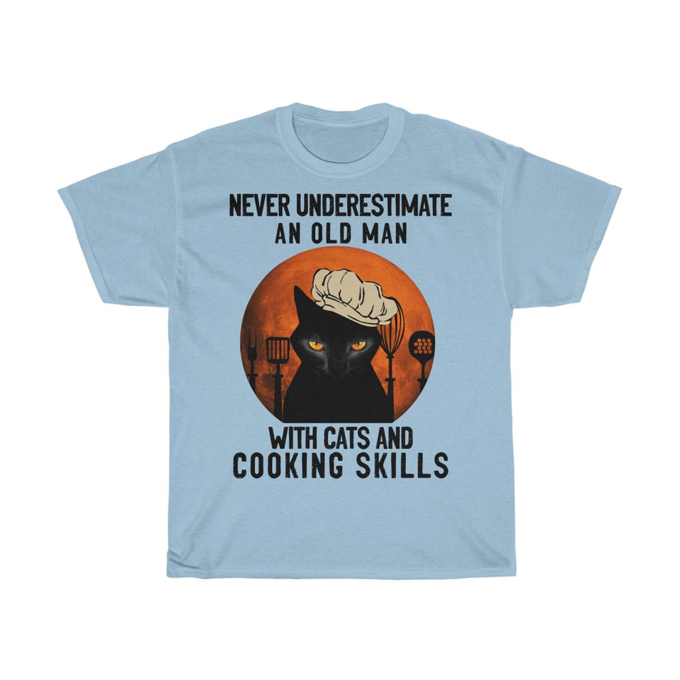 Old man with cats and cooking skills - Unisex Heavy Cotton Tee - Fulfilled in Germany