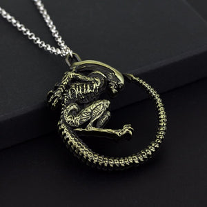 Alien Warrior Metal Necklace - Diva & noel
