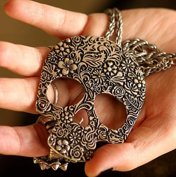 Gothic Style Skull Head necklace - Diva & noel