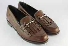 Load image into Gallery viewer, Dark Tan Leather Loafer