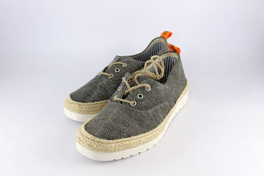 Canvas Lace Up