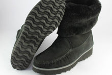 Load image into Gallery viewer, Black Sheepskin boot