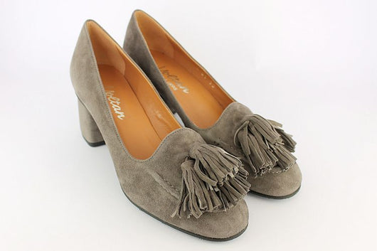 'Tivoli' Grey Suede Court With Four Tassels