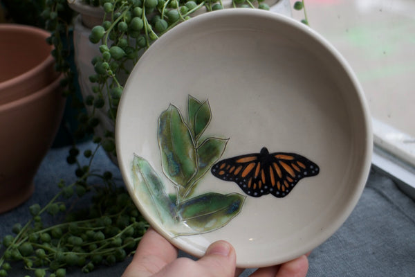 Monarch & Milkweed Plate