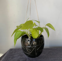 Hanging planter- White or black