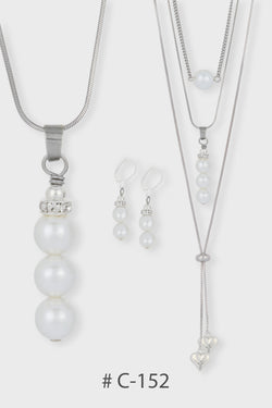 Collier  Court # C-152 triple perles blanches