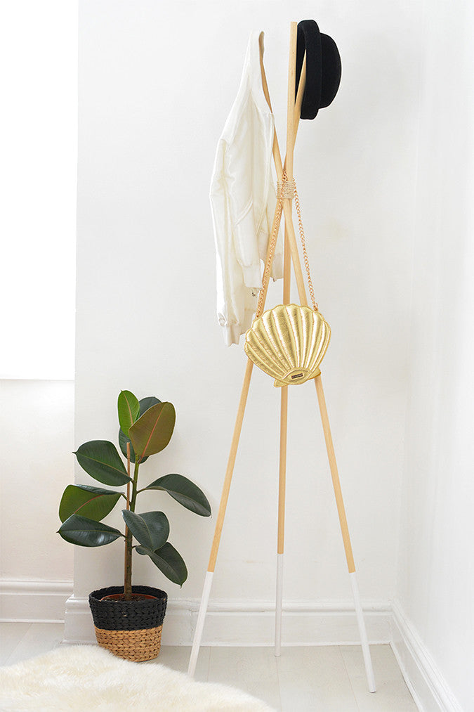 DIY Teepee Coat Stand by Burkatron