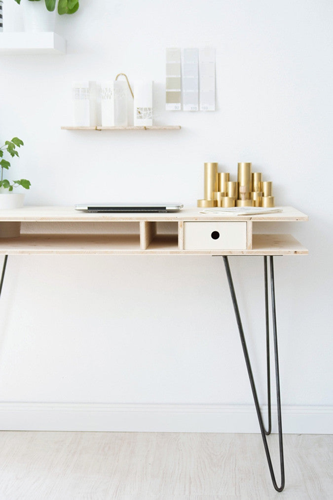 DIY Hairpin Leg Desk by Sinnen Rausch