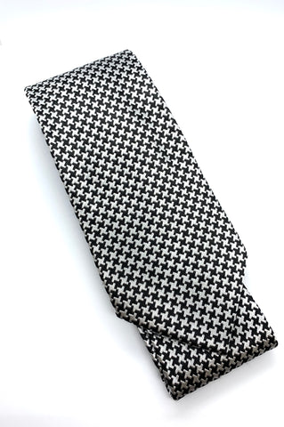 The Rebel: Tie