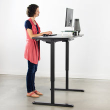 "Load image into Gallery viewer, Electric Adjustable Standing Desk - VIVO -  60"" X 24"" Electric Desk With Black Frame And Memory Pad"