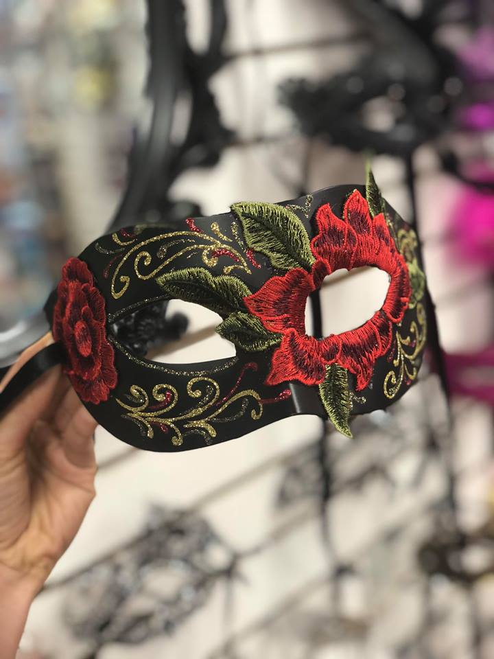 Masquerade Masks for Men and Women ON SALE