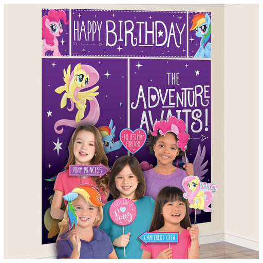 My Little Pony Friendship Adventures Scene Setter with Photo Booth Props