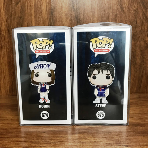 SDCC 2018 - Pop Stranger Things - Robin #674 + Steve #675 Vinyl Set