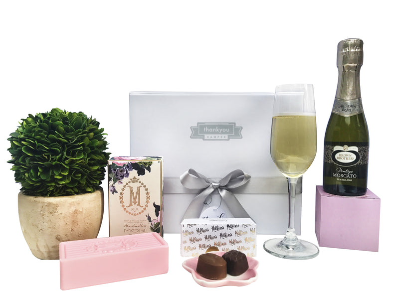 Green with envy gift hamper - Photo 1