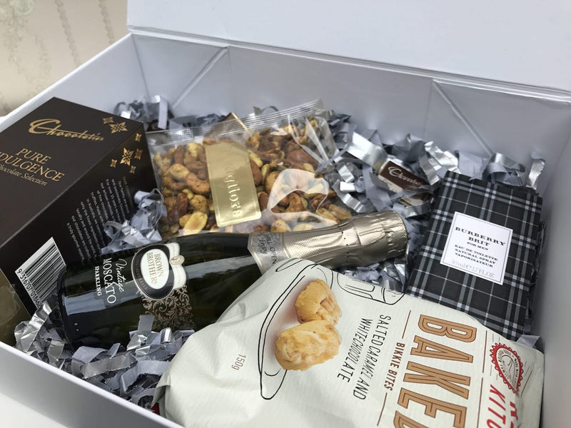 Mens nut gift hamper - Photo 15
