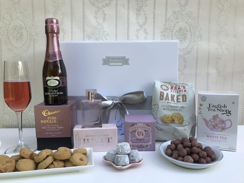 Chocolate and cookies hamper - Photo 3