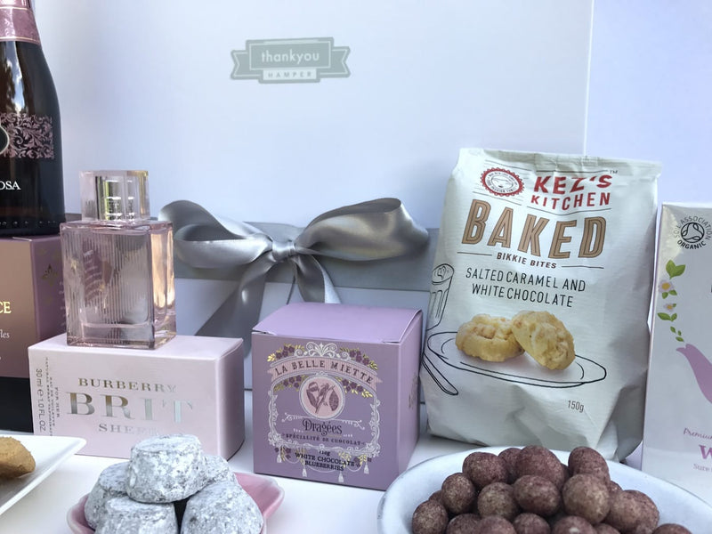 Chocolate and cookies hamper - Photo 4