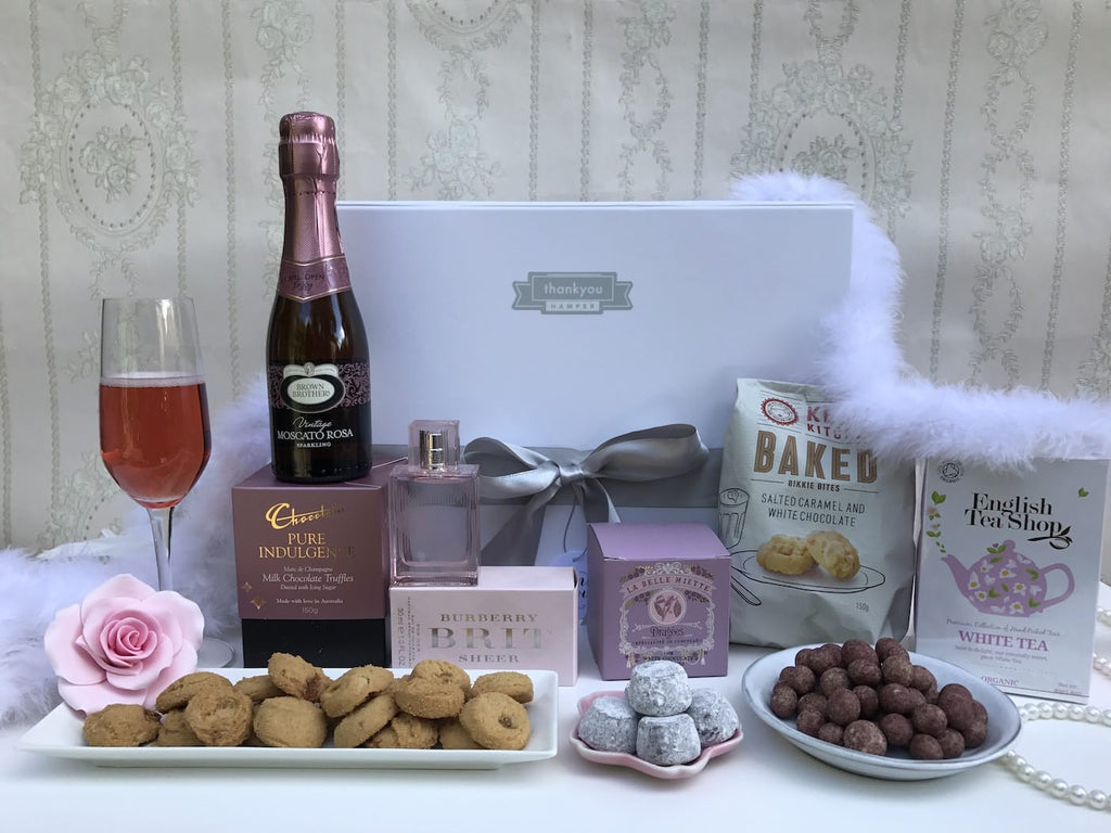 Chocolate and cookies hamper - Photo 5