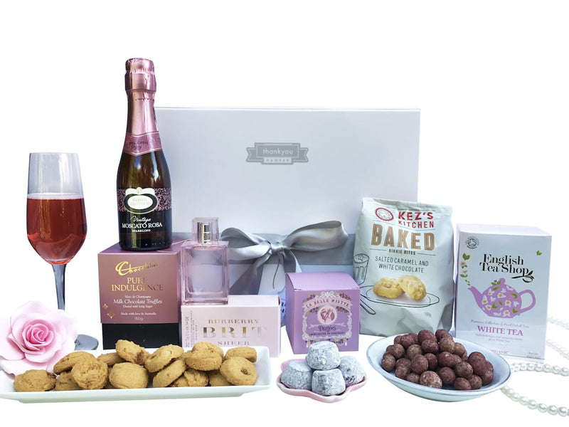 Chocolate and cookies hamper - Photo 1
