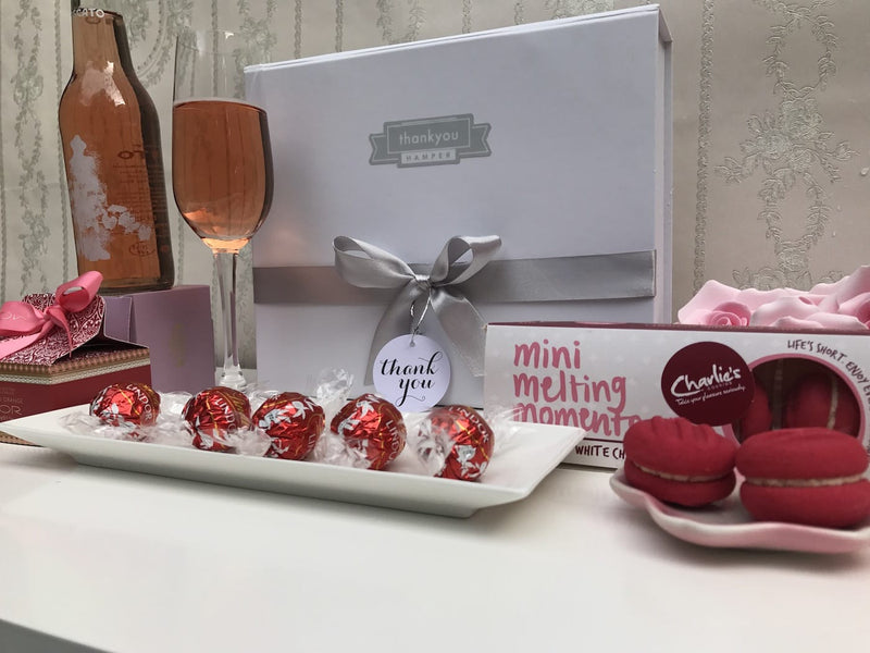 Little miss red gift hamper - Photo 5