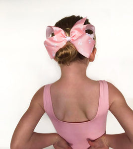 The latest, on trend accessories for Women, Teen, Kids and Baby. Choose from our range of hair bows, hair clips, scrunchies and more. They're for women who lead by example: strong, compassionate and proud of who they are. Wholesale: hello@sisterbows.com.a
