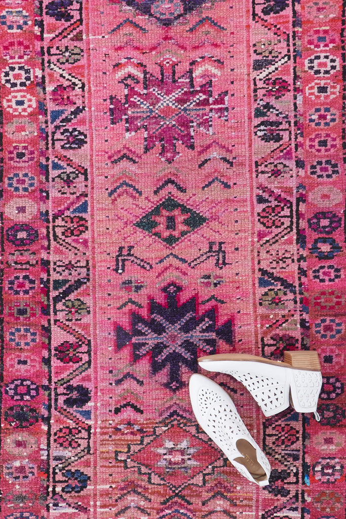 "'Daisy' Vintage Turkish Runner - 2'9'' x 9'6"" - Canary Lane - Curated Textiles"