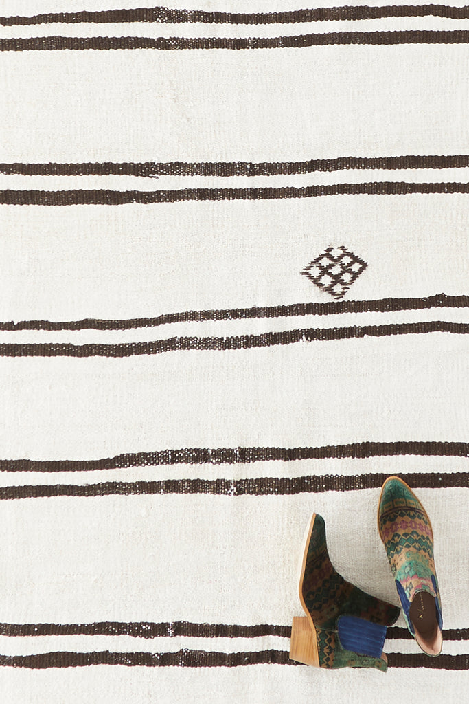 "'Dogwood' Turkish Vintage Runner - 2'11"" x 10'8"" - Canary Lane - Curated Textiles"