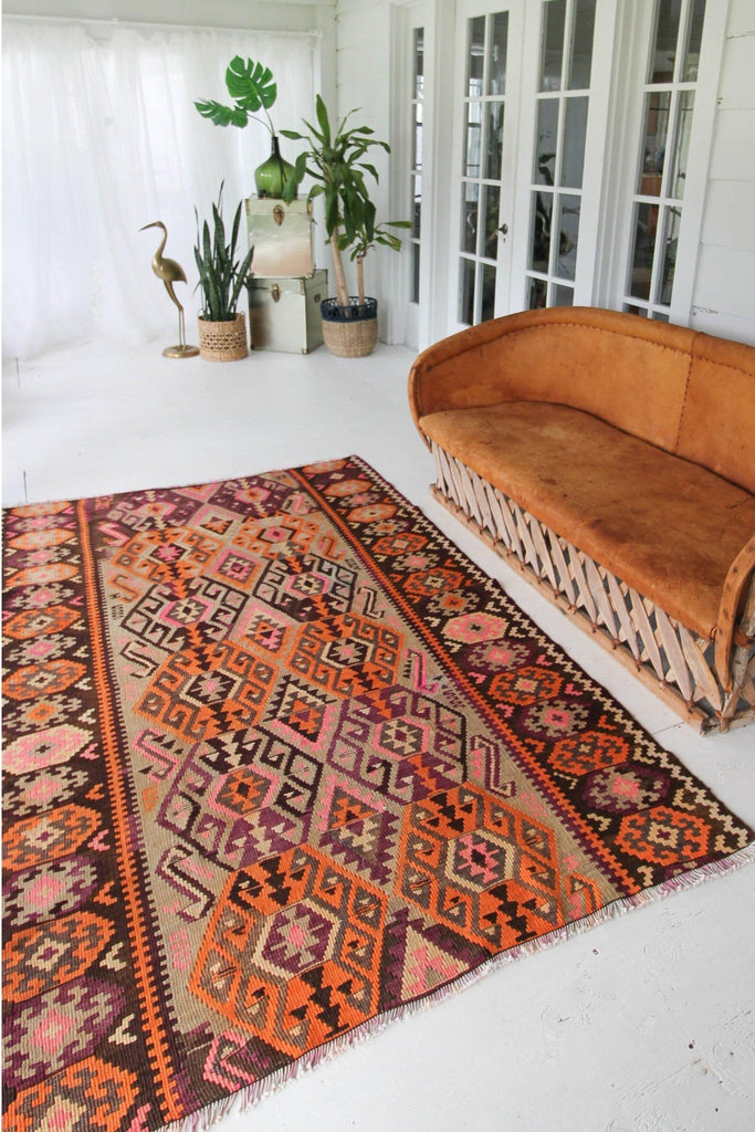 "'Gardenia' Vintage Kilim Rug - 5' x 7'11"" - Canary Lane - Curated Textiles"