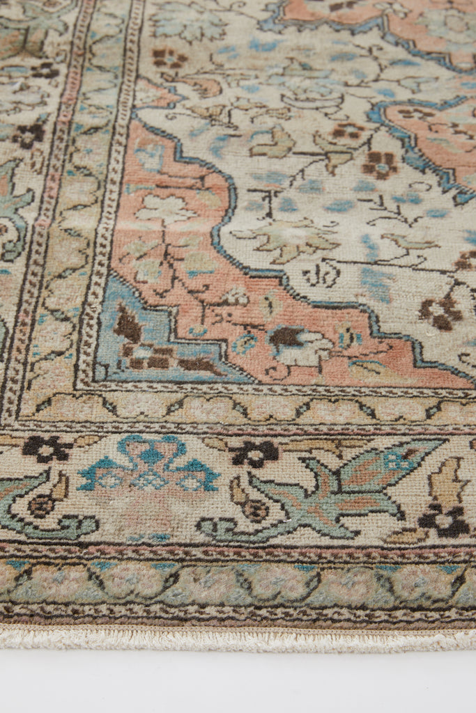 "'Opal' Turkish Vintage Area Rug - 3'10"" x 5'10"""