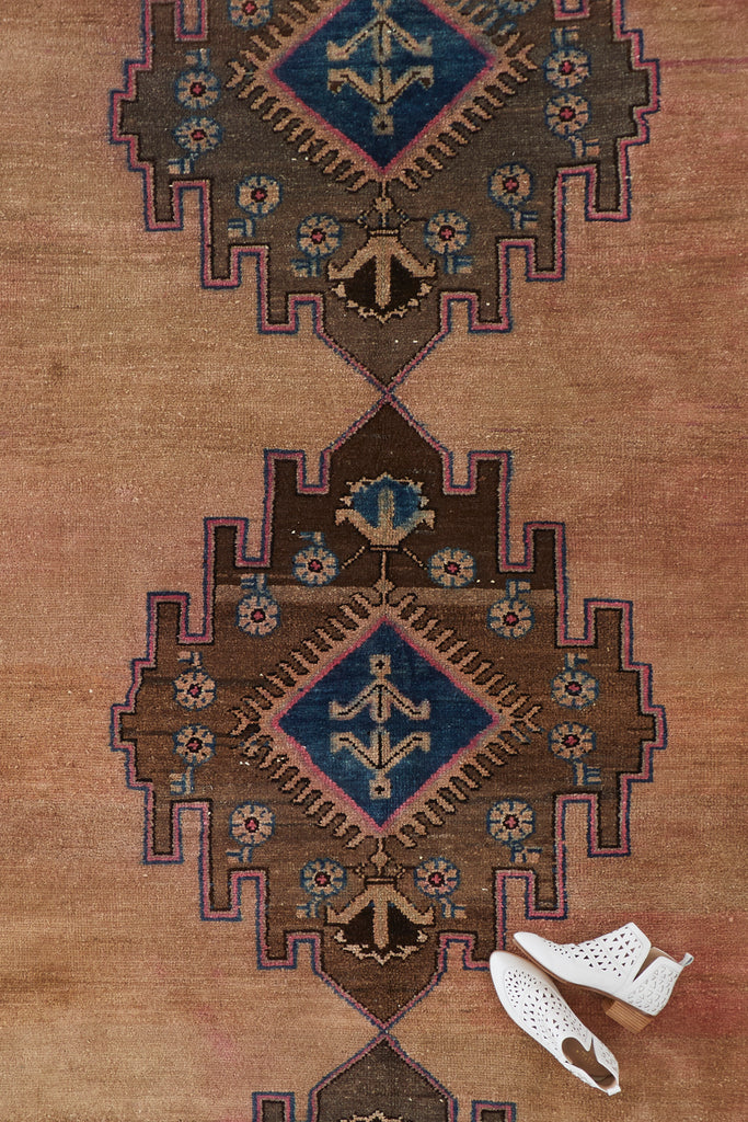 "'Fern' Vintage Turkish Area Rug - 5'9"" x 8'7"""