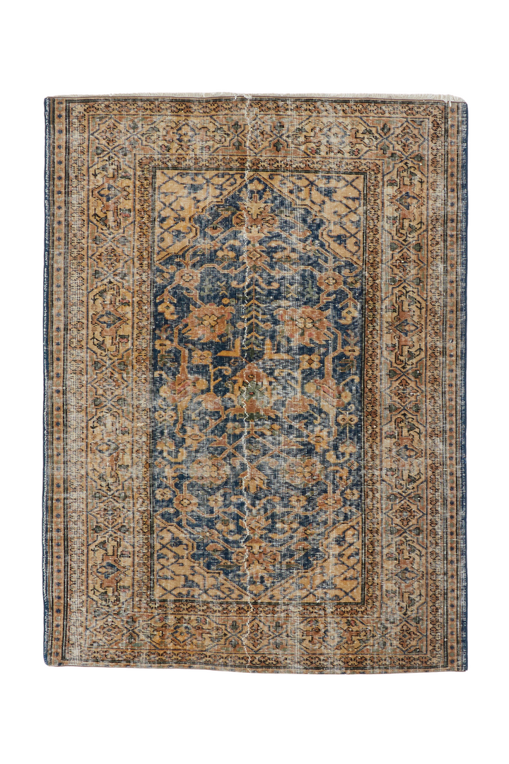 'Dusk' Turkish Vintage Distressed Area Rug - 4' x 5'5""