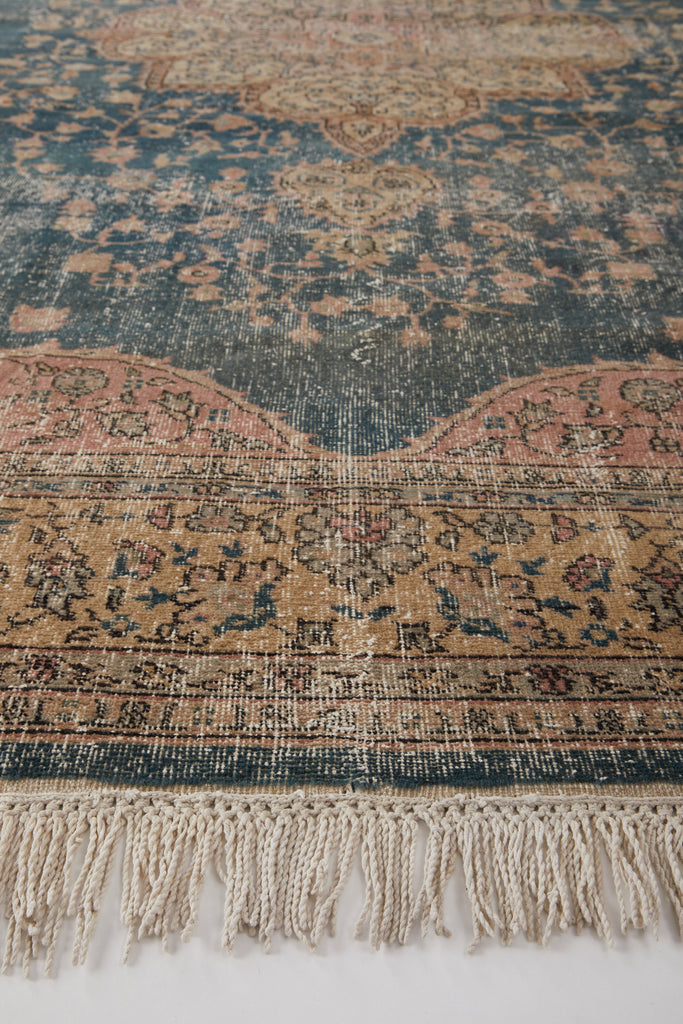 "'Dahlia' Turkish Vintage Area Rug - 8'3"" x 12'9"" - Canary Lane - Curated Textiles"