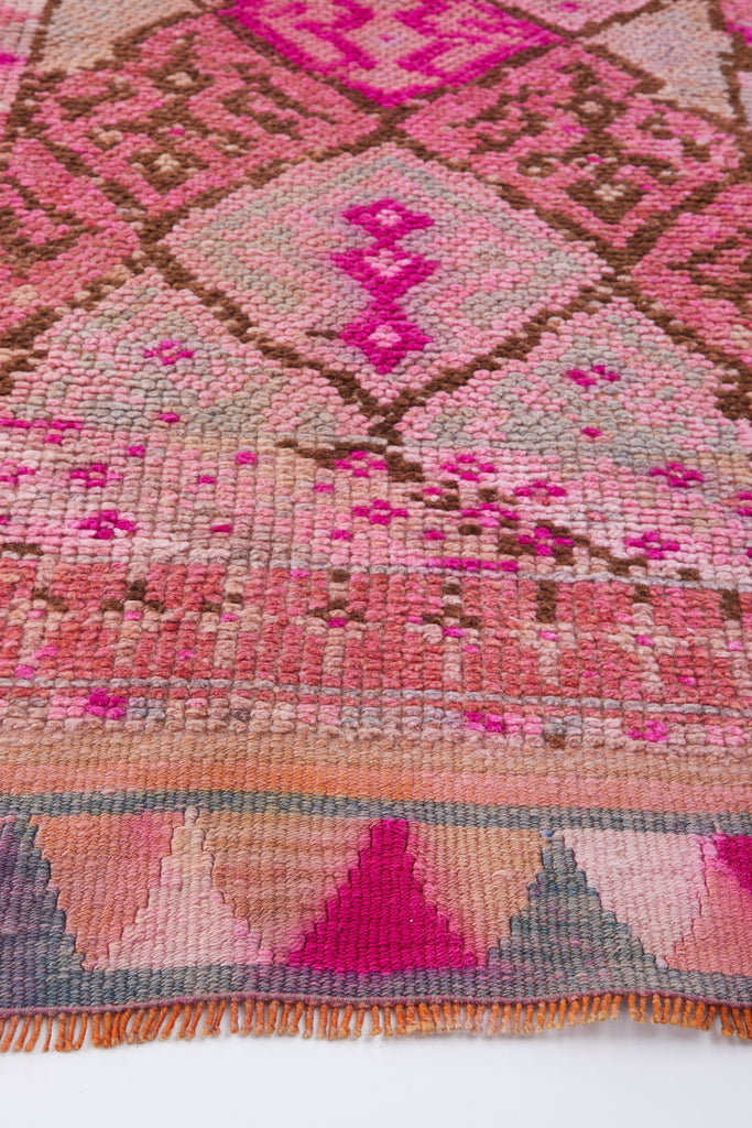 "'Bubble Gum' Turkish Vintage Rug - 2'7'' x 11'8"" - Canary Lane - Curated Textiles"