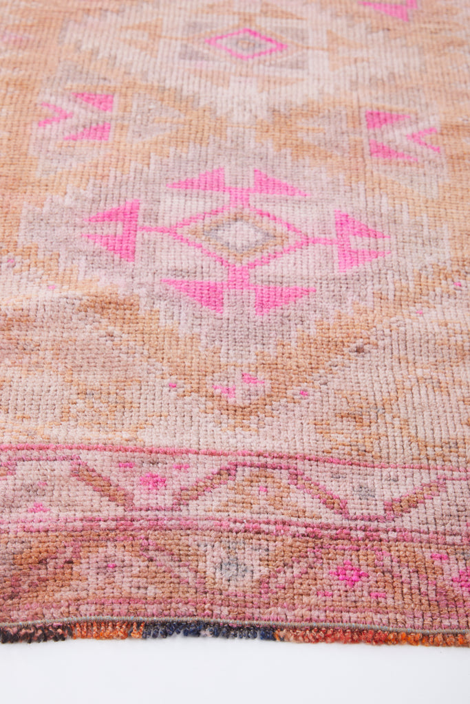 "'Margot' Turkish Vintage Runner Rug - 2'11"" x 7'8'' - Canary Lane - Curated Textiles"