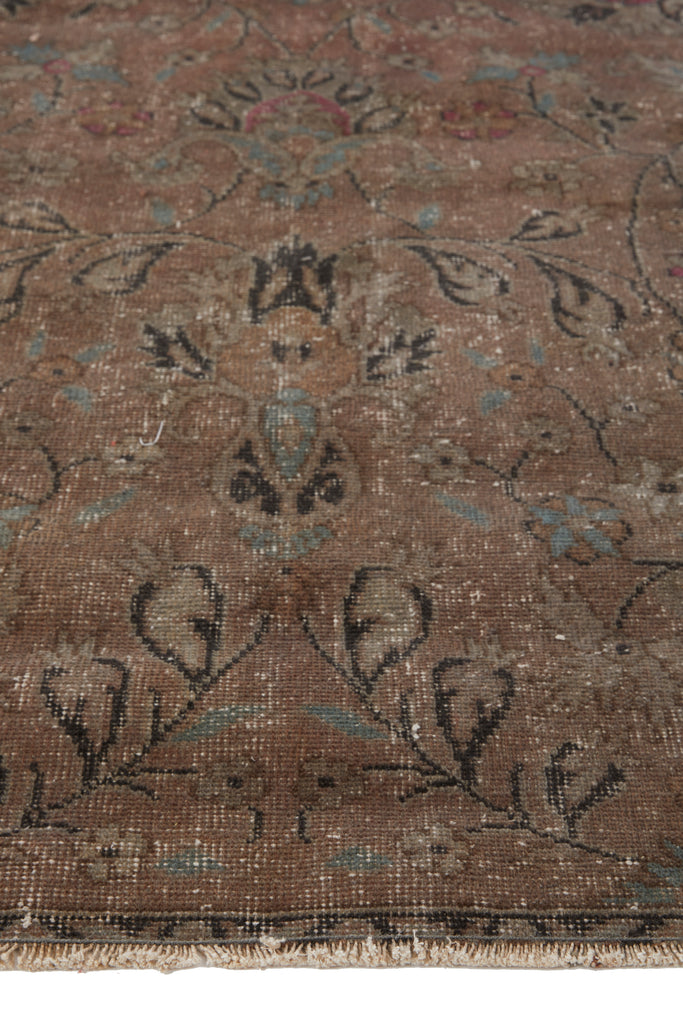 'Scorpio' Turkish Vintage Area Rug - 6' x 9' - Canary Lane - Curated Textiles