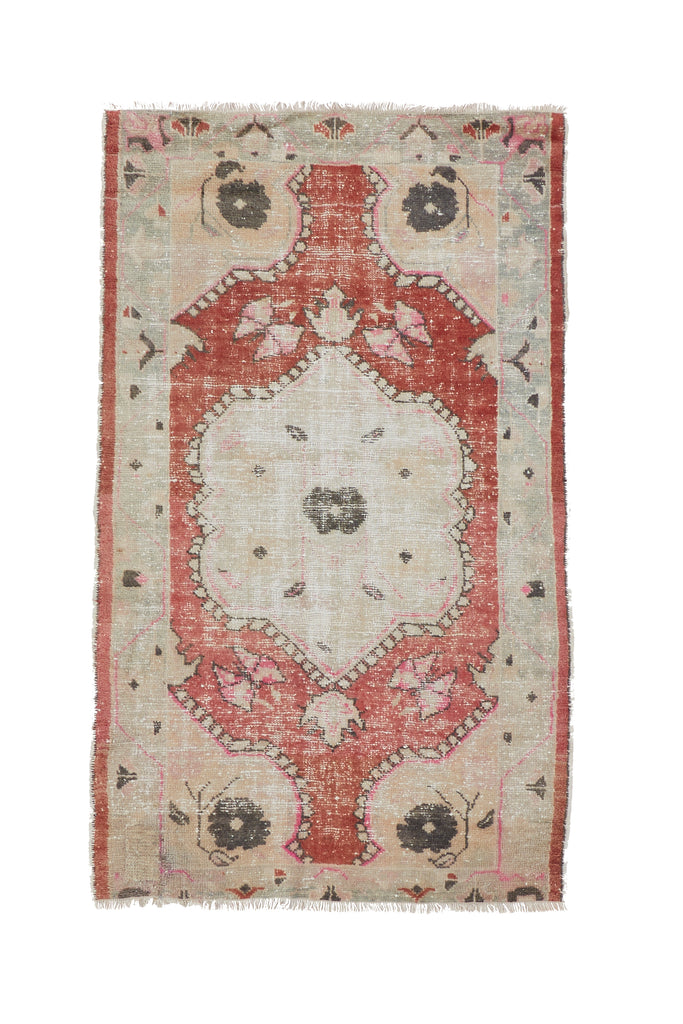 "'Sierra' Vintage Turkish Rug - 2'11"" x 4'11"" - Canary Lane - Curated Textiles"