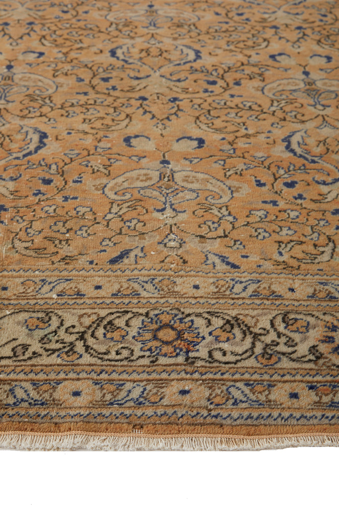 "'Capricorn' Turkish Vintage Area Rug - 7'4"" x 11'8"" - Canary Lane - Curated Textiles"