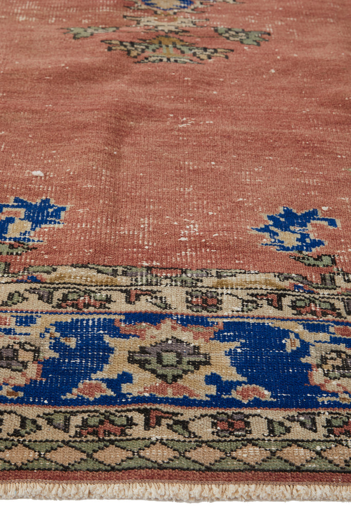 "'Cancer' Turkish Vintage Area Rug - 5'9"" x 8'8"" - Canary Lane - Curated Textiles"